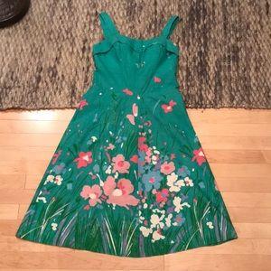 Dresses & Skirts - VINTAGE 1970s green dress with floral border print